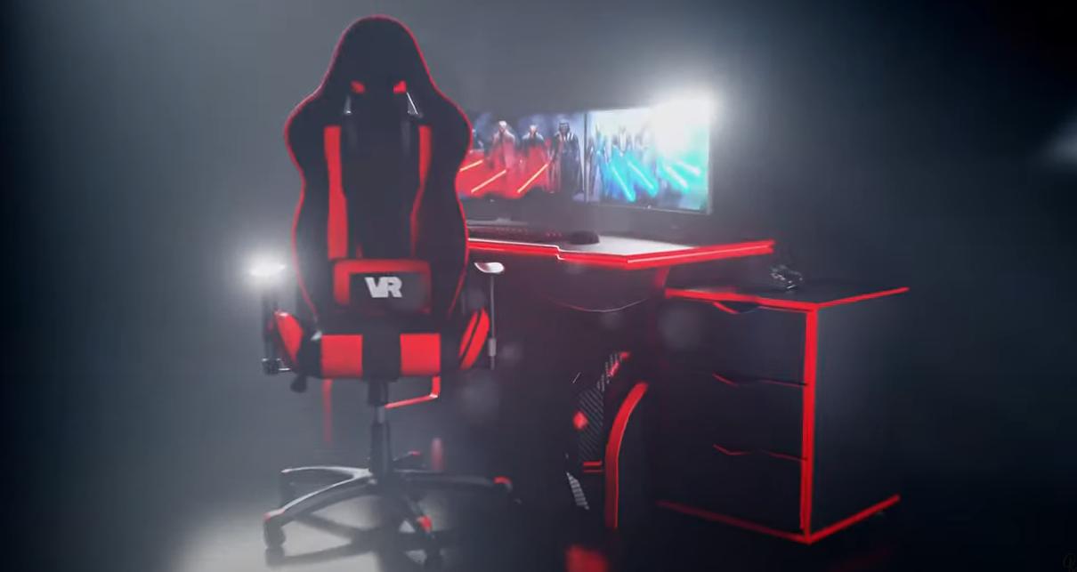 геймерское компьютерное кресло и стол
