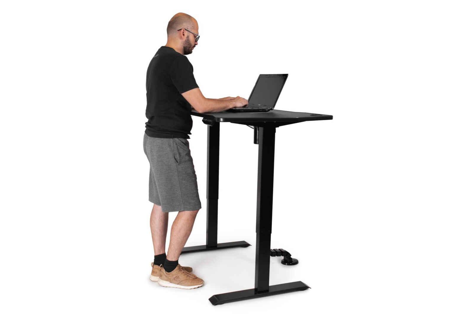 зачем нужен регулируемый стол