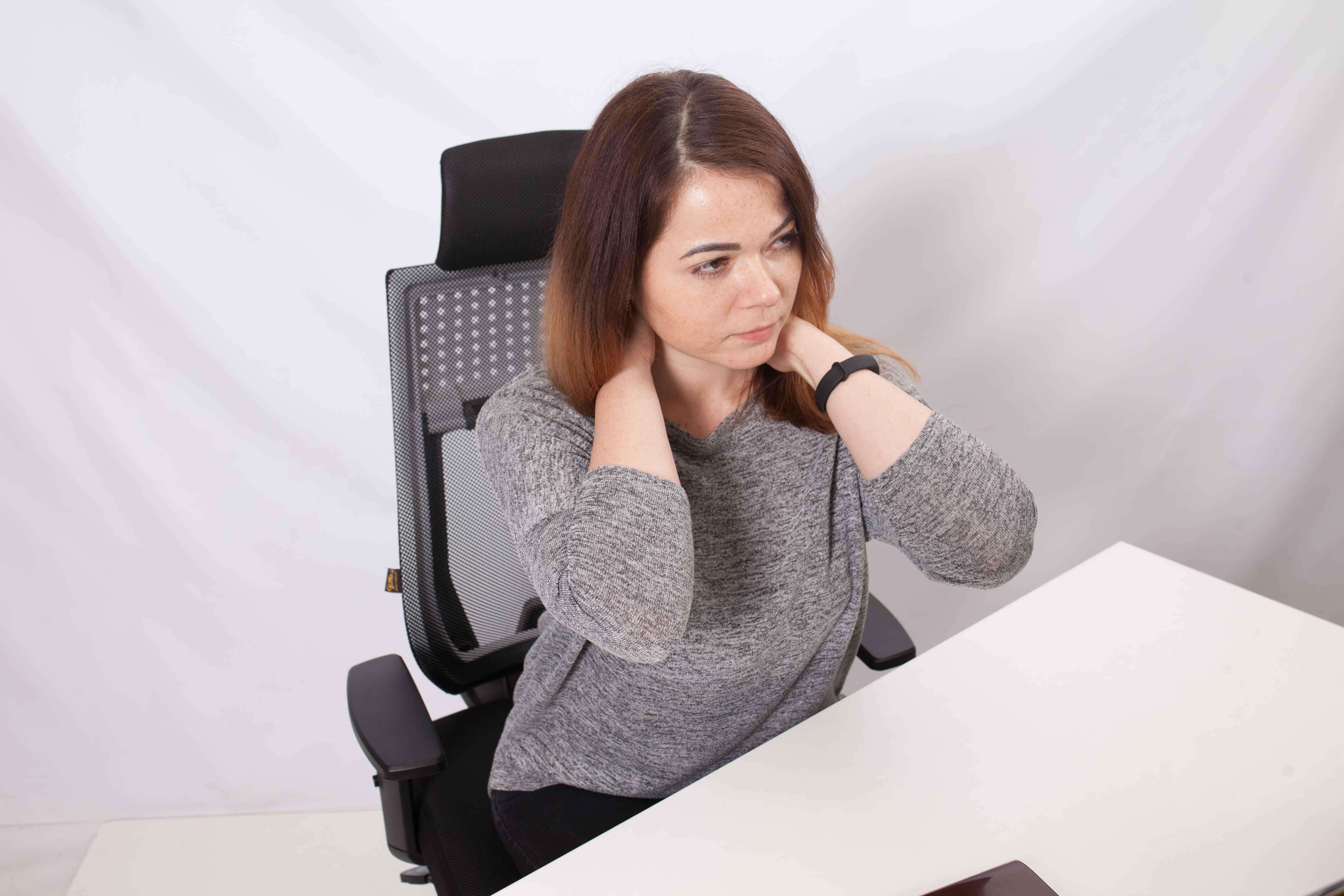 болит шея на работе