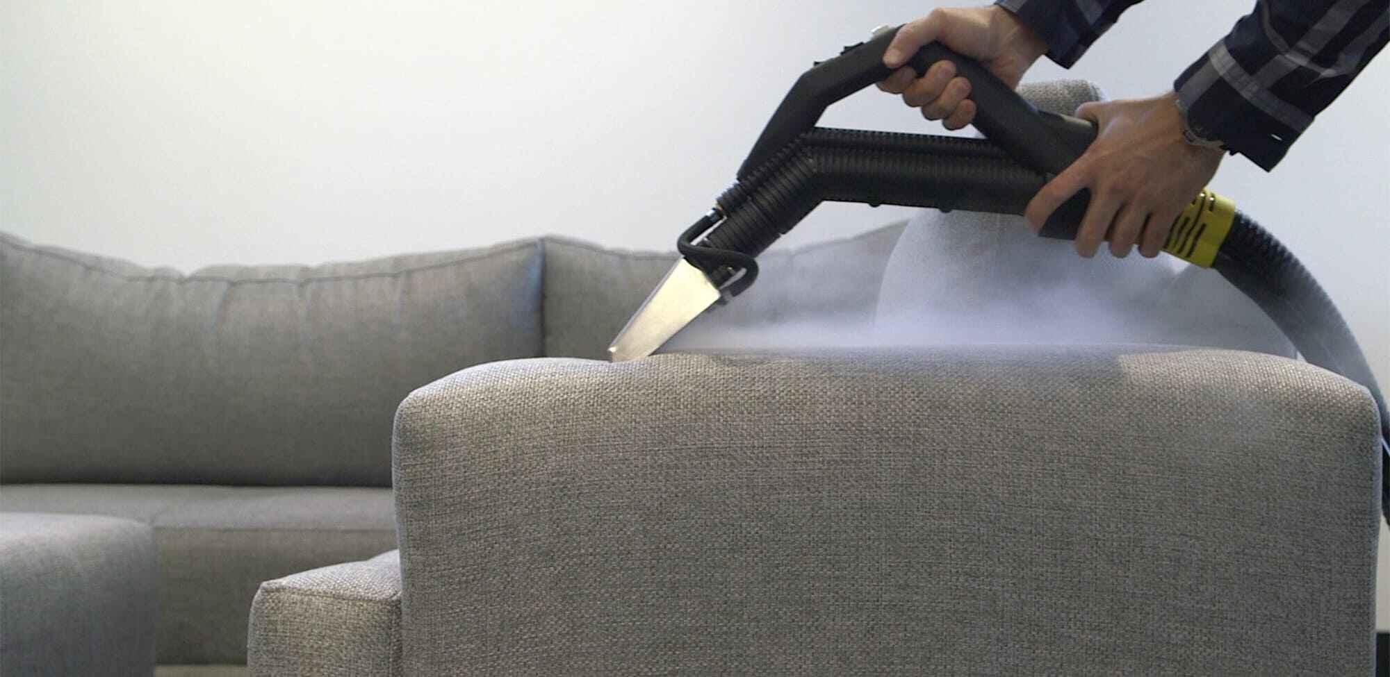 как почистить диван и мягкое кресло