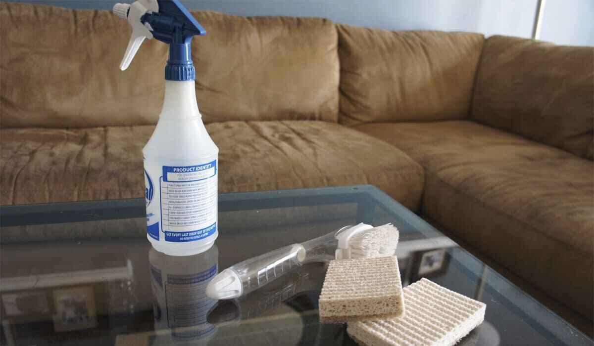 как почистить кресло и диван